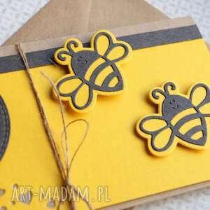 szare kartki urodziny kartka - kopertówka:: pszczółki