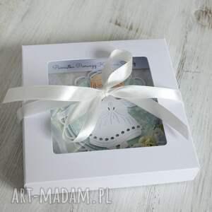 białe kartki komunia kartka w pudełku z okazji pierwszej