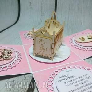 kartki: Nietuzinkowe eksplodujące pudełeczko - urodziny kolyska