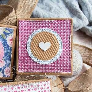 beżowe kartki urodziny urocze pudełeczko z mini kartką