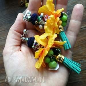 handmade klipsy etno boho pompony kwiatowe