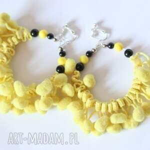 klipsy koła z pomponami żółte