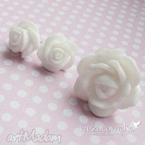 kolczyki róże białe