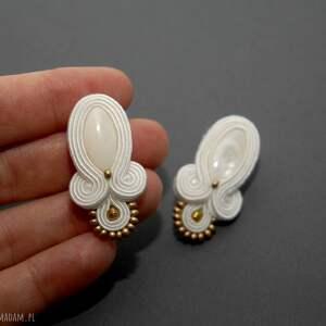 białe kolczyki sutasz z masą perłową ślubne