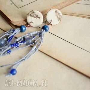boho niebieskie kolczyki z odciskiem paproci