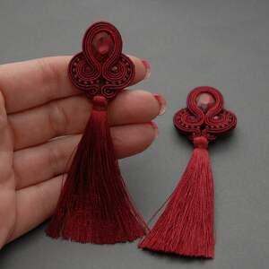 bordowe kolczyki sutasz z chwostami - wiszące sznurek