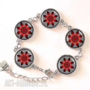 ludowe kolczyki czerwony kwiat - małe