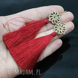 czerwone kolczyki długie boho z chwostami