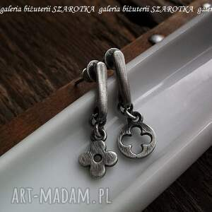oksydowane kolczyki dopasowane ze srebra