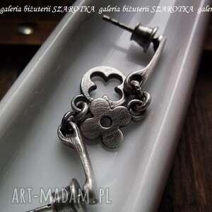 kolczyki oksydowane dopasowane ze srebra