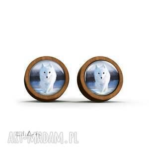 LiliArts Kolczyki drewniane - Biały lis - sztyfty - leśne