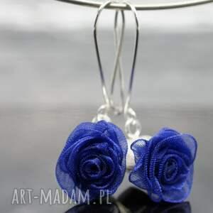 atrakcyjne srebrne kolczyki english roses - granatowe