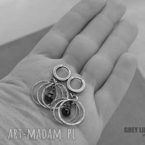srebro granaty w obreczach