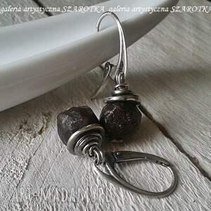 surowe granaty grubo ciosane kolczyki z granatu