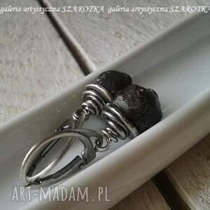 grubo ciosane kolczyki z granatu