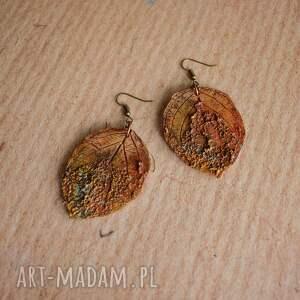 pomarańczowe liście jesienne kolczyki w kształcie