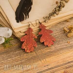 trendy jesienne kolczyki w formie liści