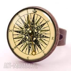autorskie kolczyki wiszące kompas - małe