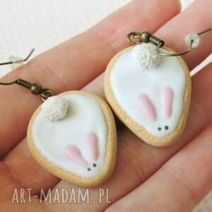beżowe kawaii króliczki