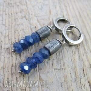niebieskie kolczyki kyanit z satynowymi walcami