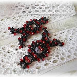 czarne kolczyki makrama makramowe z koralikami