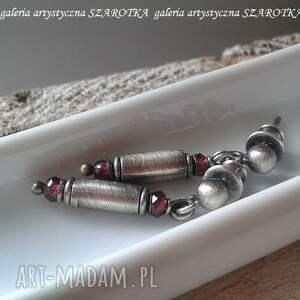 różowe malinowo kolczyki z granatu