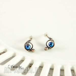 kolczyki mini hematyt blue -