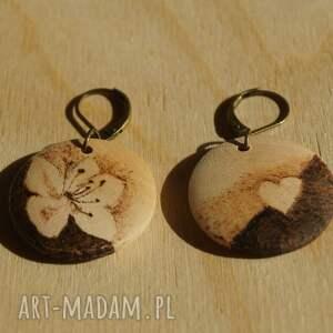 minimalizm kolczyki mini śliwa - ręcznie wypalane
