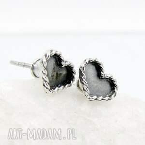 srebrne kolczyki sztyfty mini serduszka