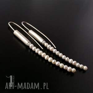 oryginalne kolczyki długie mist i srebrne z perłami