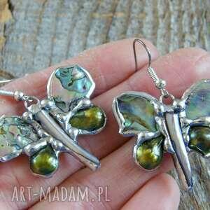 srebrne kolczyki z-pereł : motylki tęczowe