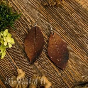 gustowne malowane ogniste kolczyki liście