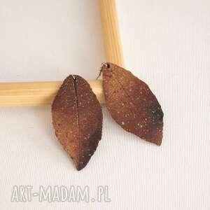 ogniste kolczyki liście