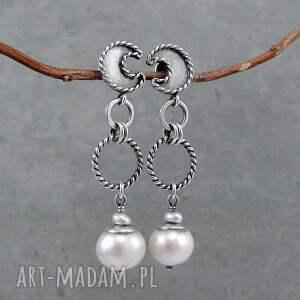 białe sztyfty perłowe księżyce na