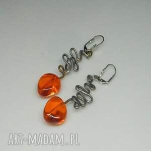 urokliwe kolczyki pomarańczowe