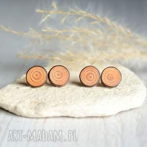 beżowe modrzew proste drewniane kolczyki