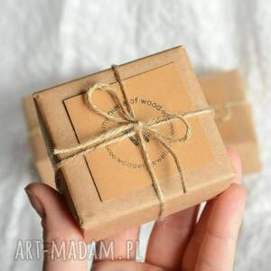 minimalizm proste drewniane kolczyki