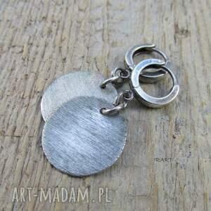 nietuzinkowe srebro satynowe koła - kolczyki iii
