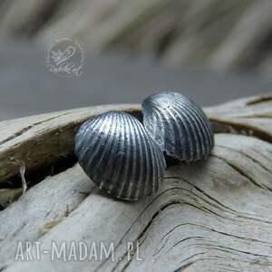 kolczyki sztyfty scallop earrings