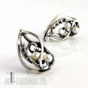 niekonwencjonalne kolczyki oksydowane sorbus z perłą i srebrne