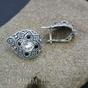 gustowne kolczyki srebrne z cyrkoniami