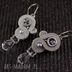 intrygujące sutasz srebrne eleganckie kolczyki