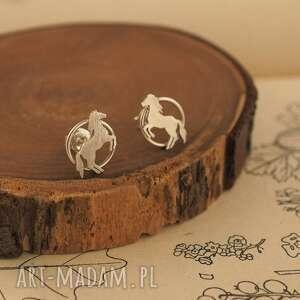 kolczyki srebrne konie