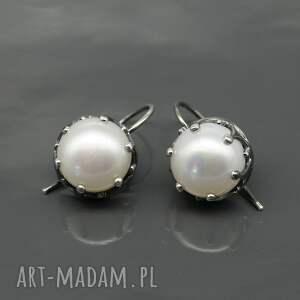 białe kolczyki srebrne z perłami