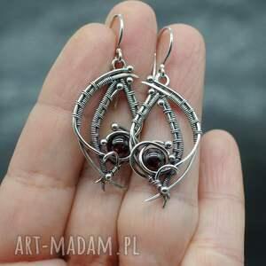 wire-wrapping kolczyki srebrne z granatami, wire