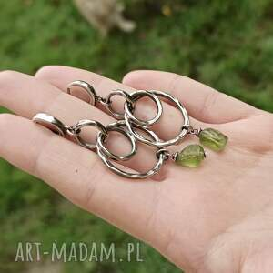 srebrne kolczyki długie-kolczyki srebro i surowy peridot - długie