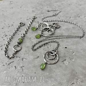 kolczyki kolczyki-koła srebro i surowy peridot - długie