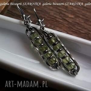 unikatowe peridot kolczyki wykonane z fasetowanych oponek