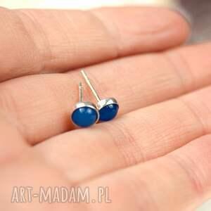 niebieskie kolczyki kolczyki-srebrne sztyfty z niebieskimi