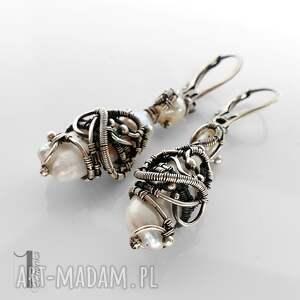 wyjątkowe perły tempus srebrne kolczyki